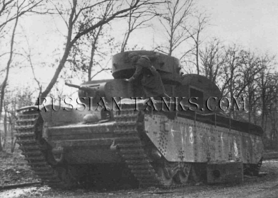 Heavy Tanks: The T-35 Tyazhole Tank